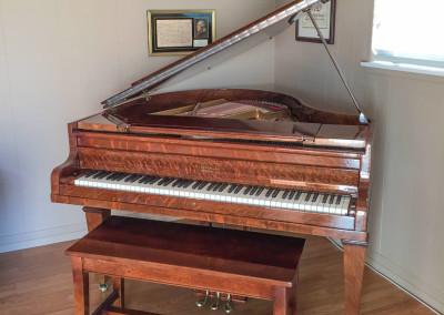 Kimball, Tiger Oak Grand Piano