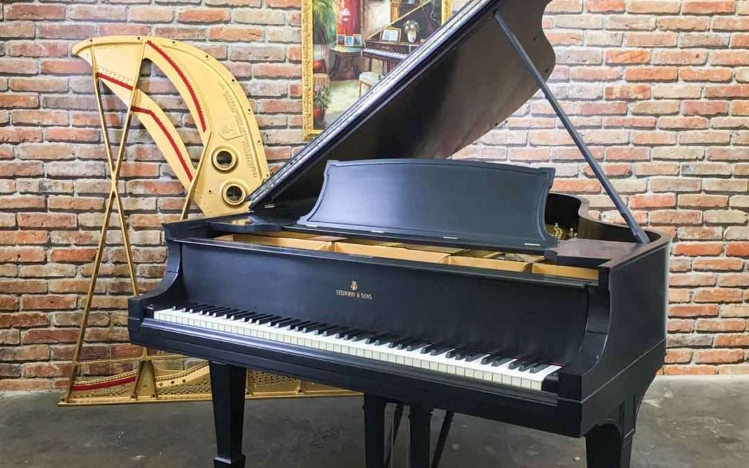 Steinway & Sons Grand Piano, Model O, Ebony, 1922, Fully Restored